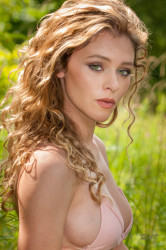 Alice Antoinette Nude Photos 11